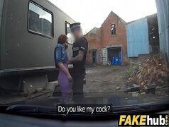 Policial de sorte pegou a safadinha e comeu no carro