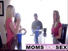 Comendo a tia e as duas filhas gostosas