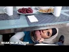 Comendo as duas universitárias islâmicas safadas