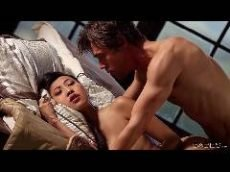 Japa safada com tesão na vagina rebolando gostoso depois de um sono