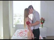 Putinha com vontade da rola no dia dos namorado grata toda gostoso