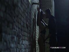 Valentina Nappi transando brutalmente com rapaz nas ruas escuras no melhor do porno na rua