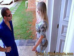 As brasileirinhas apresenta a beldade transando com o corno