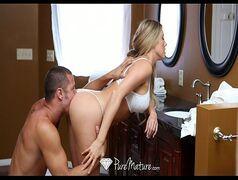 Mulher da buceta deliciosa em um porno sensacional