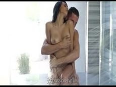 Sexo gostoso com a moreninha depois do banho