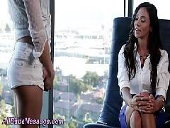 Garota novinha fazendo sexo lésbico pela primeira vez