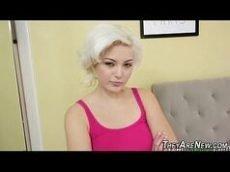 Fodendo a loirinha lolita de rostinho angelical