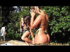 Foi testar a namorada e a sedura  lesbica comeu a moça gostosa