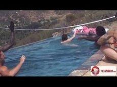 Muita putaria e orgia na festa na piscina