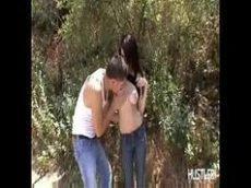 Alex Gonz fazendo um sexo gostoso na floresta