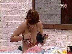 Ana Clara do BBB 18 caiu na net mostrando o peito