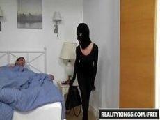Bandida tenta assaltar uma casa e se da mal