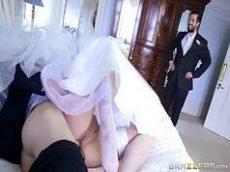 Corno pega a noiva no flagra dando para outro