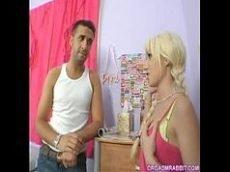 Ferrando a pica na loirinha linda