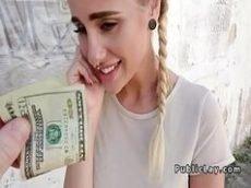 Putinha que adora transar por dinheiro