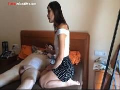 Sambra prono mulher querendo uma pingolada mas o marido só fica dormindo