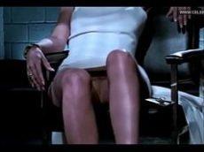 Sharon Stone de vestido sem calcinha