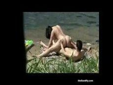 Top real videos de casais que foram parar na internet fodendo na praia