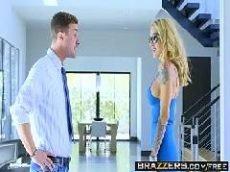 Vídeos de sexo loira dando em cima do empresário novinho