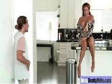 X vídeo peituda fodendo com seu amante