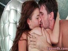 Xxvideo novinha chupando a pica gostosa de seu amorzinho muito querido