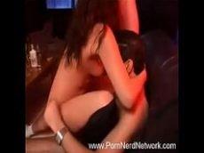 Delicia fazendo putaria com dois caras depois da festa