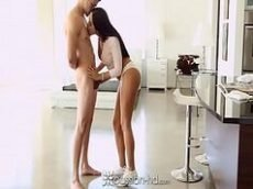Linda morena latina pornotub dando pro namorado tarado