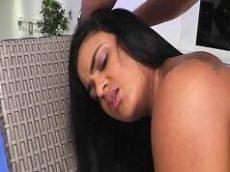 Moreninha malandra sentando na vara com muito tesao cnn amador