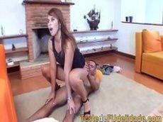 Porno Brasileiro com a ruivona mostrando todo o seu pontecial