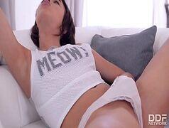 Sexo tube novinha taradinha fazendo sexo com o papai bebado