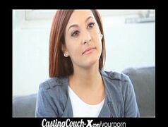 Video porno mulheres taradas novinha fazendo sexo com o tarado sortudo