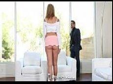 Videos eróticos linda loirinha fazendo sexo com o marmanjo dotado