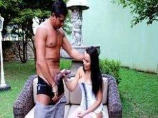 X videos Brasil com a morena caindo de boca na piroca grande