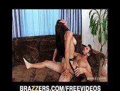 Brazzers com a piranha gostosa dando sua buceta