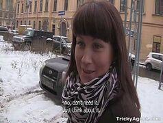 Brazzers com uma malandra morena bem safada dando a buceta em pleno dia de inverno