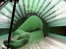Câmera escondida filma menina gostosa se bronzeando