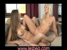 lesbicas gatinhas se pegando e gozando