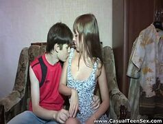 video amador de novinha dando pro namorado