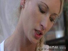 vidios pornos com loira gostosa metendo com o negão