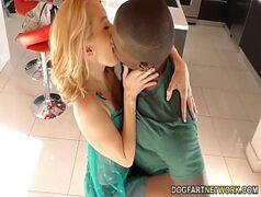 Brasileirinhas loira safada fazendo sexo na academia com um negão