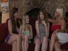 Filmes online porno de lesbicas novinhas se pegando