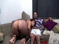 Sexoquente tv novinha brasileira bem deliciosa trepando com o marmanjo dotado no sofá