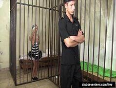 Sexoquentetv detenta malandra dando pro policial tarado