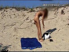 Angel lima linda novinha gostosa de menos de 18 anos se masturbando na praia
