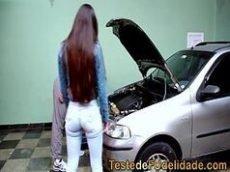 Mecanico tarado de sorte teve que comer a cliente pois ela nao tinha dinheiro pra pagar o carro