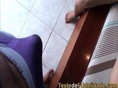 Sexo brasileiro com novinha amadora dando pro namorado
