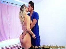 Xvideoa com uma loira muito gostosa do porno brasileiro