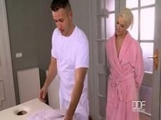 Xvideos beldade loira transa com massagista