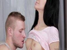 Comendo a moreninha deliciosa porno doido HD