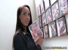 Garota preta no porno em filme de sexo gostoso